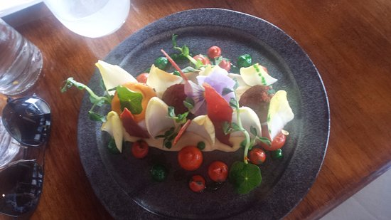 Cambridge, ออสเตรเลีย: Rolled breast of Marion Bay chicken with pecorino croquettes