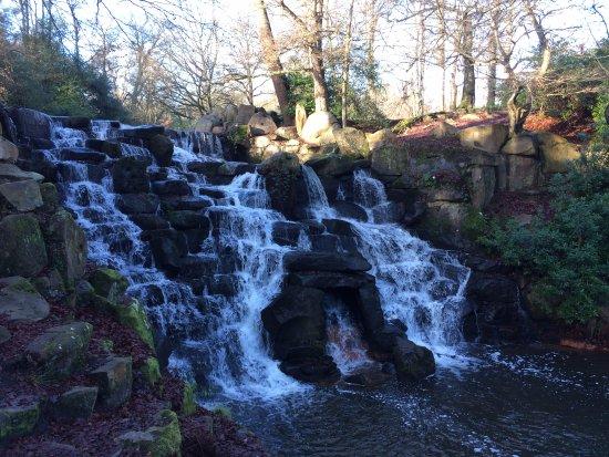 Virginia Water, UK : The waterfall