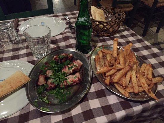Asty Hotel: Delicious Pork Kebab at Tavernaki restaurant! ;)