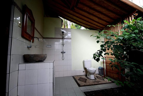 Seraya, Indonesia: All bungalow with see view and hot cold shower