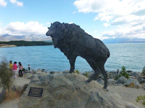 Canterbury, Nuova Zelanda: Himalayan Tahr statue