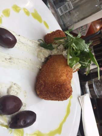 Posh Cafe: They changed the chef. Now the food tastes stale.