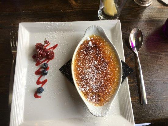 Hordle, UK: Crème brûlée desert