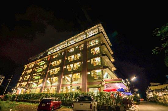 โรงแรม จันท์สว่าง