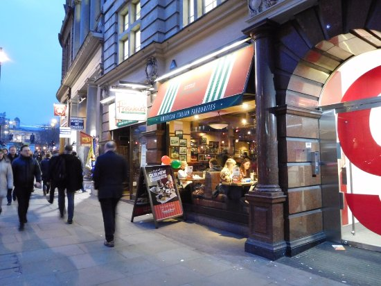Bars Near Piccadilly Circus >> Next To Trafalgar Square Picture Of Frankie S Italian Bar