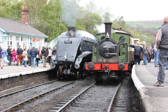 Pickering, UK: Sir Nigel Gresley and Green Tank Engine