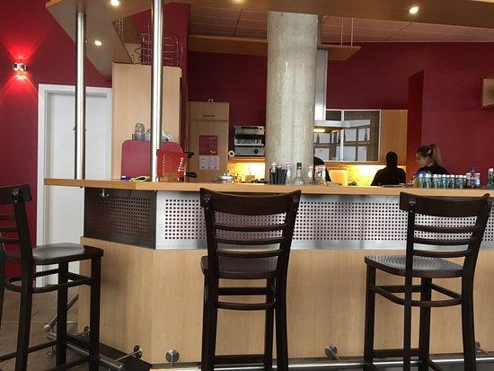 Aschaffenburg, Germany: Blick in die offene Küche