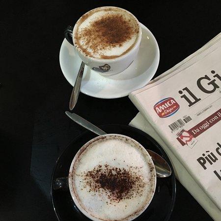 Il Caffe: Cappuccino with choc and cinnamon