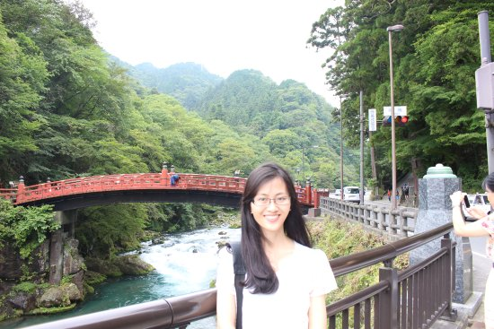 Shinkyo: beautiful red bridge
