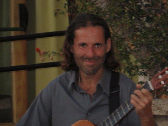 La Estancia : Amazing guitarist