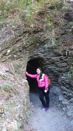 ฮัวเหลียน, ไต้หวัน: dark cave experience