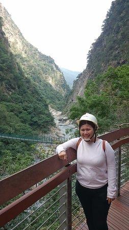 ฮัวเหลียน, ไต้หวัน: safety helmet on