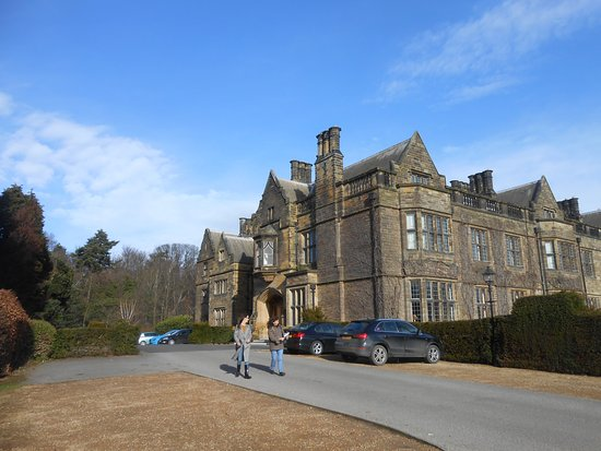 Guisborough, UK: View of the hotel from the car park