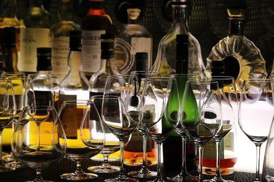 The Opposite House: Drinks at Mesh Bar