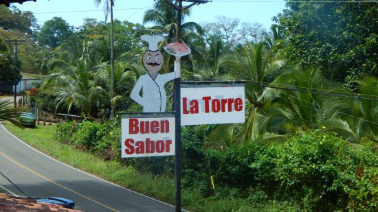 Portobelo, Panamá: Sign on outside road area