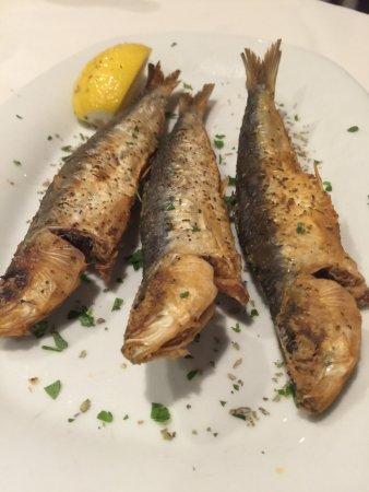 Little Neck, NY: fried sardines
