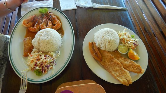 Portobelo, ปานามา: Sea Bass and Jumbo Shrimp