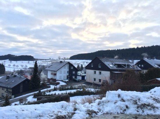 heel mooi omgeving en huizen op zijn tradici Heel mooi met witte sneeuw en prachtig omgeving