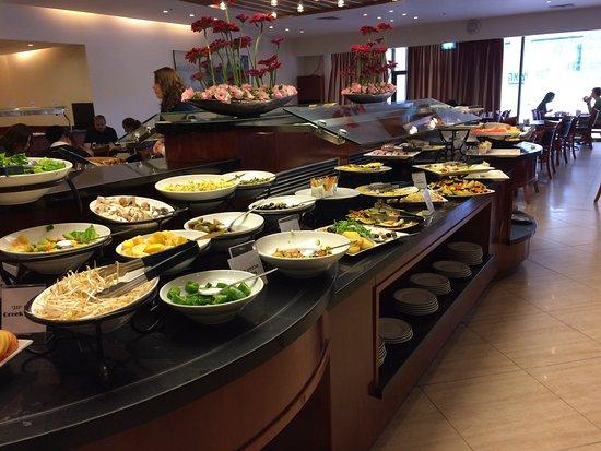 Ramada Jerusalem: breakfast buffet