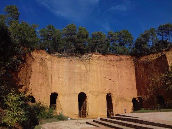 Gargas, Francia: L'entrée de la mine