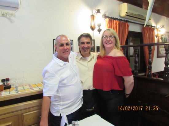 Tres Palmeiras : one of the loyal waiters