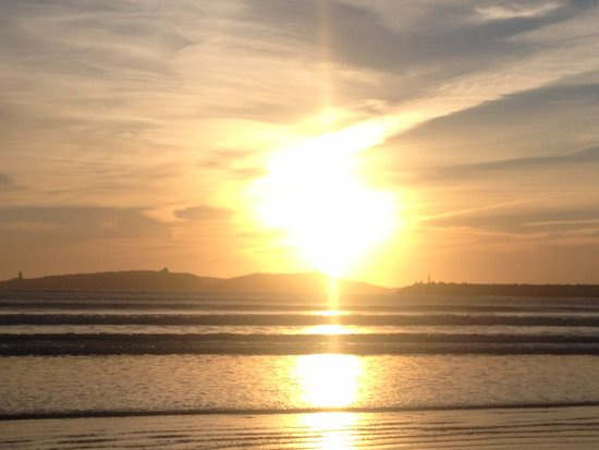 Essaouira Beach: Sunset - divine holiday