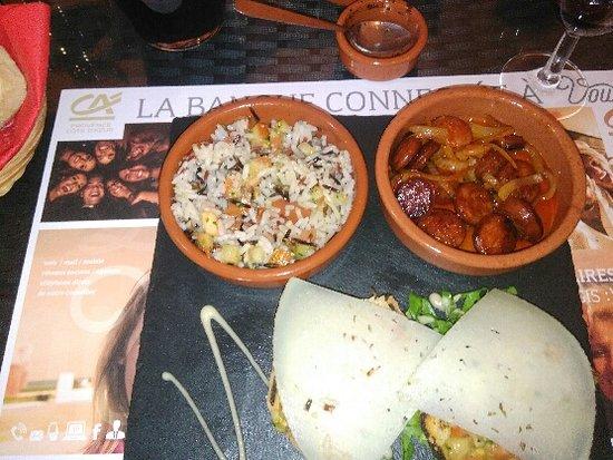 Le Beausset, Γαλλία: tapas riz, chorizo, pain aux légumes et fromage (9,5€)