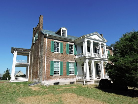 Franklin, TN: Front view of Carnton plantation house. (Wes Albers)