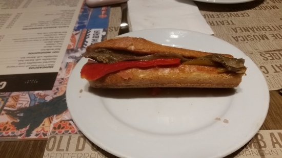 Ciudad Condal: Red pepper, eggplant and anchovies