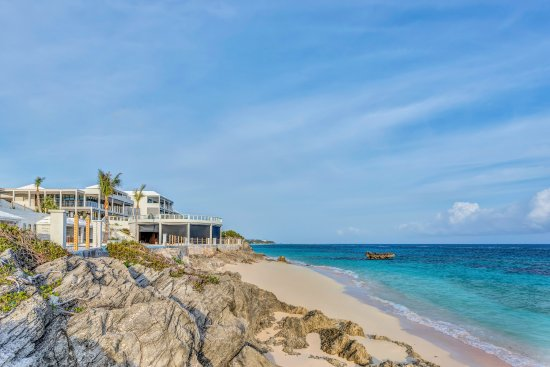 Tucker's Town, Bermuda: Find new heights of luxury in The Loren at Pink Beach.
