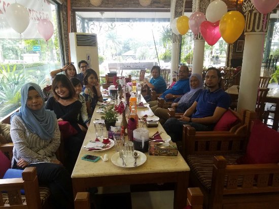 Cyberjaya, Μαλαισία: Nice staff and good environment.thank you Alqasrcy for the delicious food .