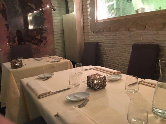 Antico Arco: Interno locale e cucina a vista