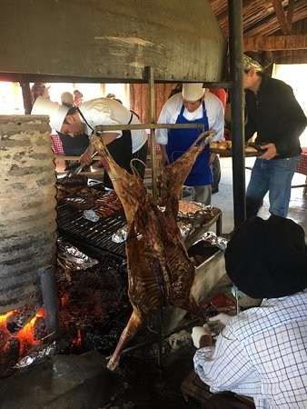 explora Patagonia: BBQ day, this is the tasty lamb