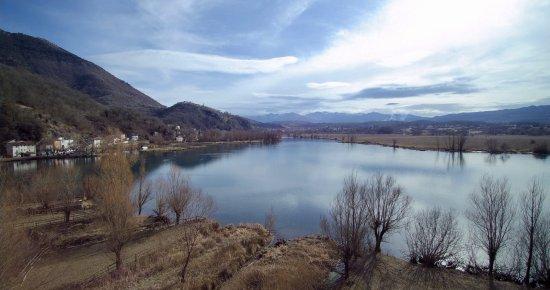 Posta Fibreno, Italy: Lago vista dal Drone