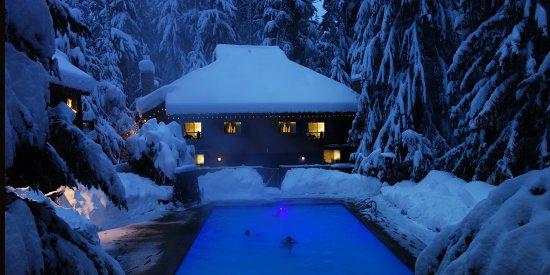 Crystal Mountain, WA: Pool in winter