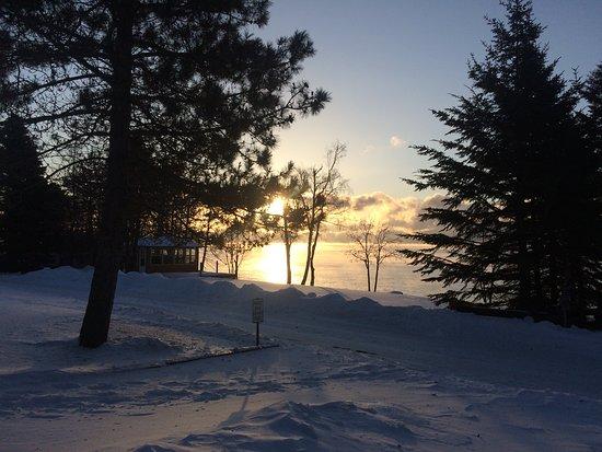 Grand Marais, MN: Amanecer en el Lago Superior