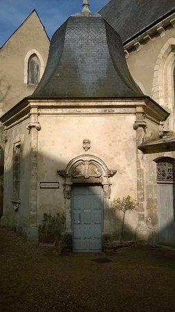 Nogent-le-Rotrou, France: Le tombeau de Sully - rue de Sully - Nogent le Rotrou