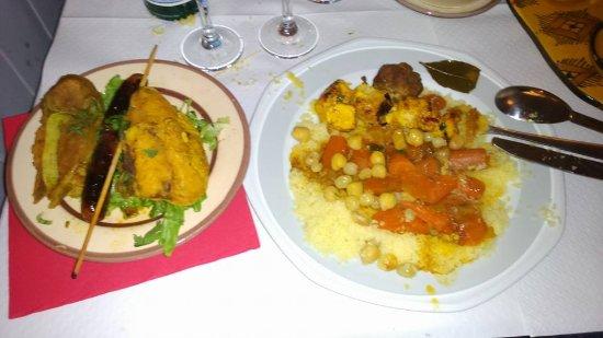 Bernay, France: Couscous maison. Poulet, brochette, agneau, merguez.