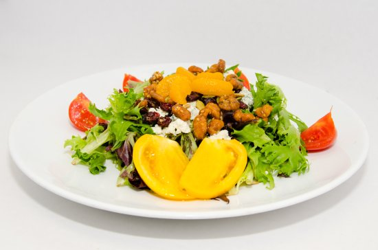 Stonington, CT: Field Green Salad