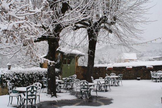 Vitrac, France: Charme d'un hiver sous la neige