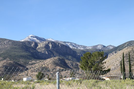 Hereford, AZ: Huachuca Mountains and canyon from entrance road