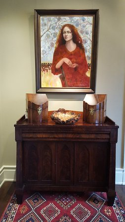 Franklin, TN: Southern Antiques & Local Art