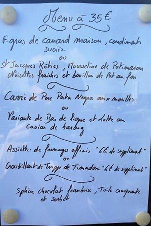 Sene, Frankrig: le menu, spécial St Valentin, placardé sur le panneau d'entrée