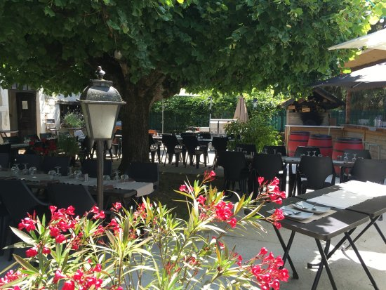 Les Avenieres, Francia: terrasse