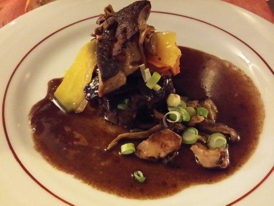 La Colle sur Loup, ฝรั่งเศส: joues de beuf et foie gras, carottes multicolors