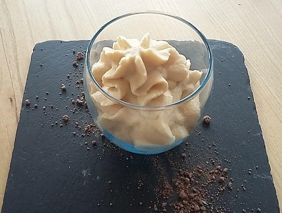 Courseulles-sur-Mer, France: compote de pomme, sablé normand, caramel beurre salé
