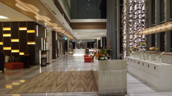The Lobby Picture Of Harris Vertu Hotel Harmoni Jakarta Tripadvisor