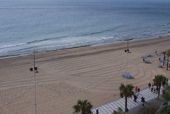 Hotel Cimbel: Groomed beach