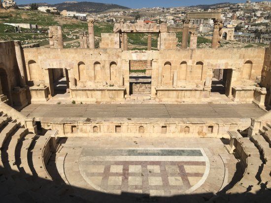 Jerash, Jordania: The North Theatre from the back of the auditorium