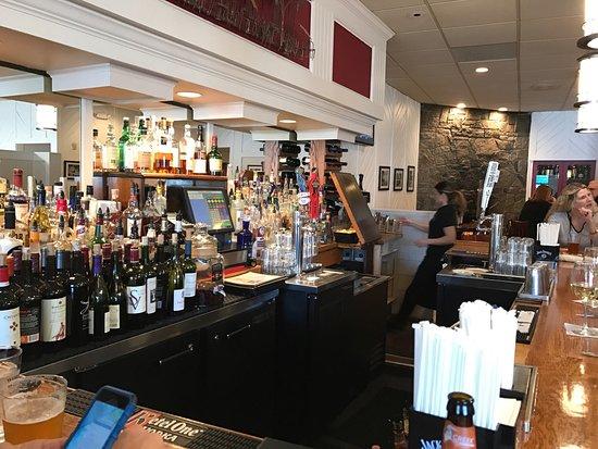 Branford, CT: Bar area